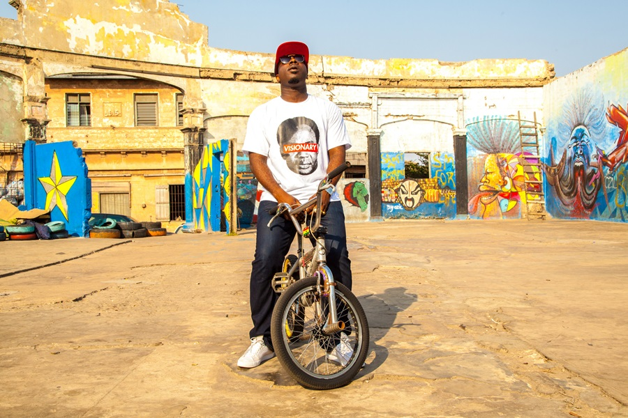 blitz-at-old-kings-way-8-video-shoot-2014-james-town-accra-dot-alt-3