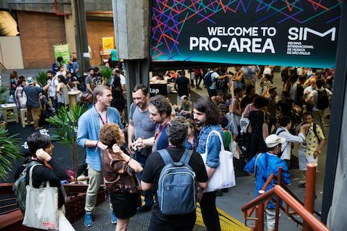 Uma das maiores e principais conferências do país, a SIM São Paulo reúne profissionais do mercado brasileiro e internacional. festivais feiras Brasil 2018