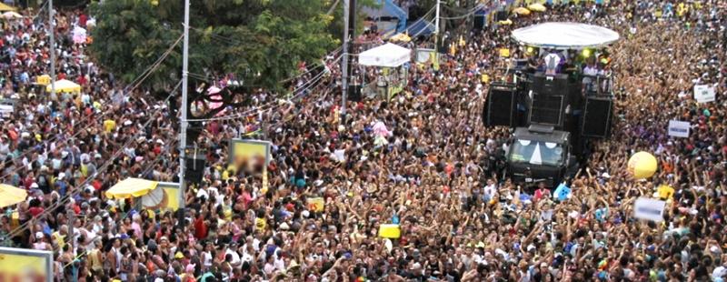 Baiana System Navio Pirata Carnaval