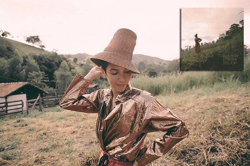 Livia Nery Disco Estranha Melodia